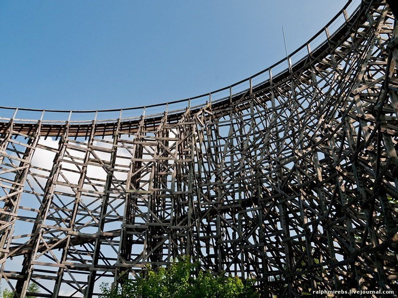 wooden-rollercoaster-14