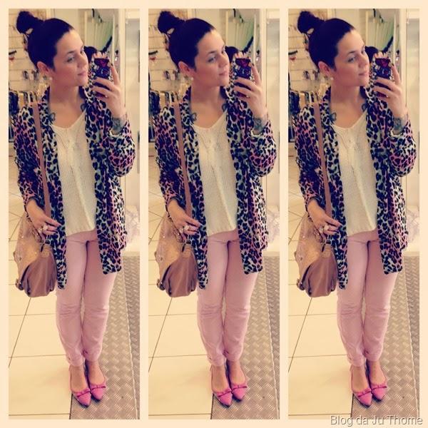 look jeans rosa, tricot branco e camisa estampada (2)
