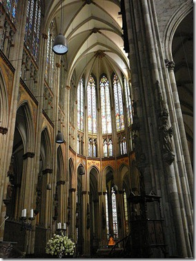 450px-Cologne_Cathedral_interior
