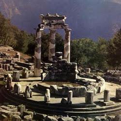 35 - Ruinas del Tholos circular de Delfos