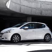 2013-Peugeot-208-HB-6.jpg