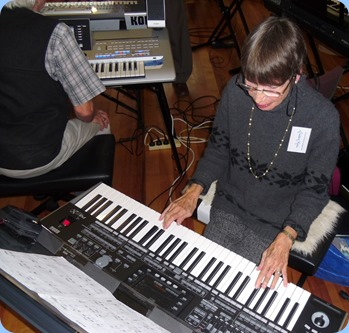 Colleen Kerr playing the Korg Pa3X