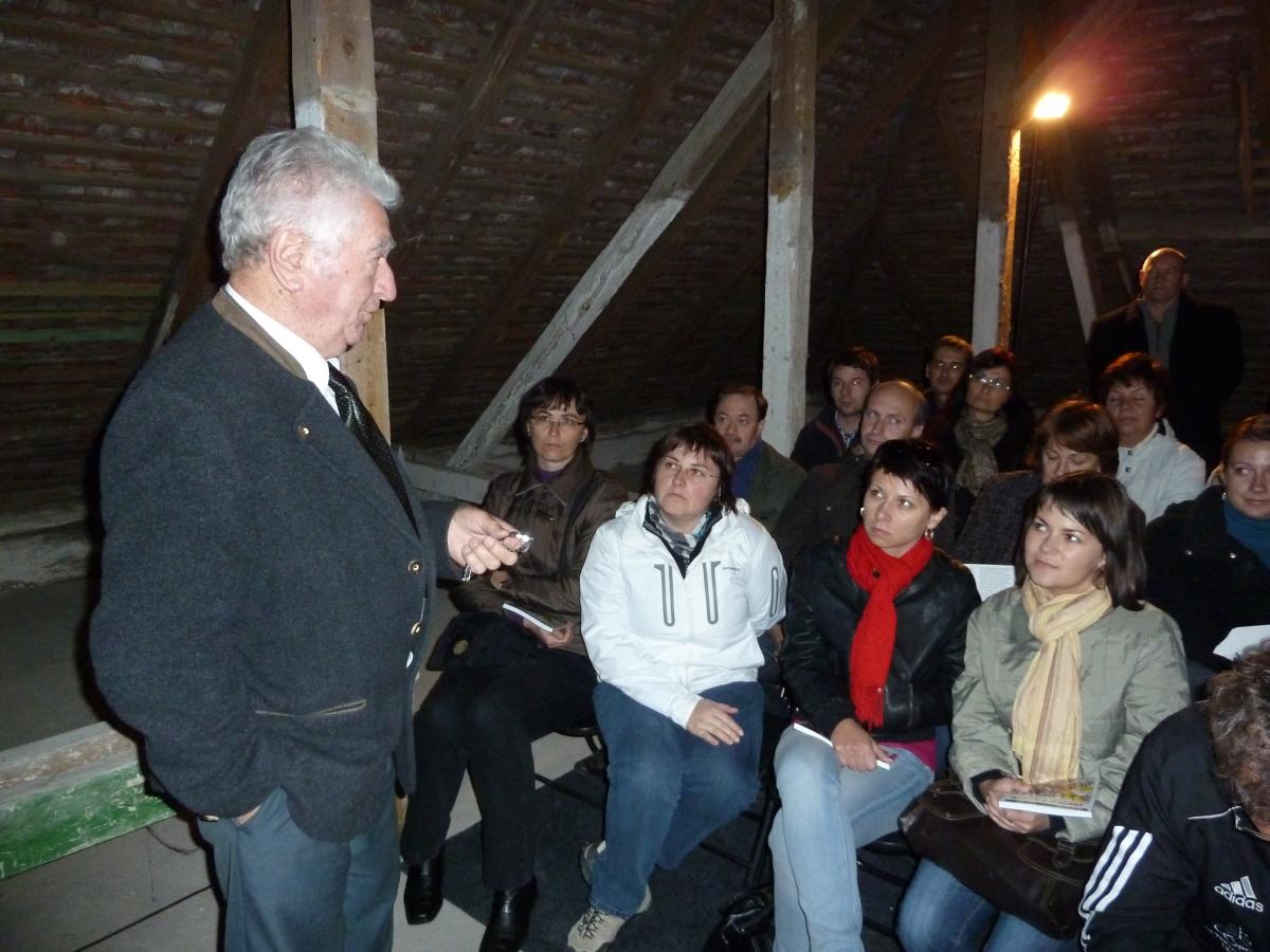 Anton Srholec a účastníci semináru vo Valticiach (2011)
