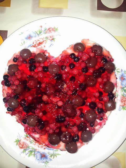 http://dietameadukan.blogspot.ro/2014/02/tort-sf-valentines.html