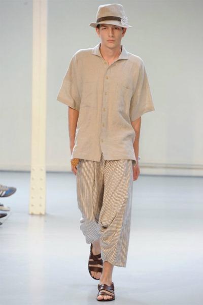Paris Fashion Week Primavera 2012 - Issey Miyake