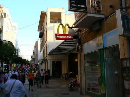 Green line: McDonald's!