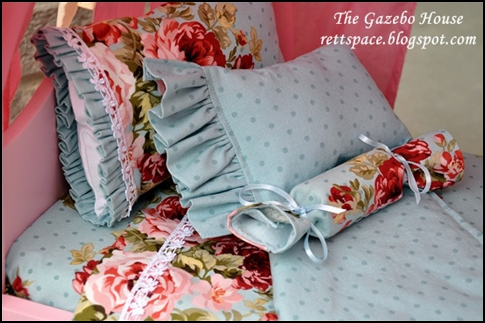 AG doll sheets, pillows & quilt 004 sm