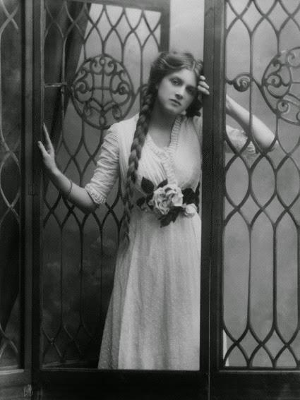Gladys Cooper  029