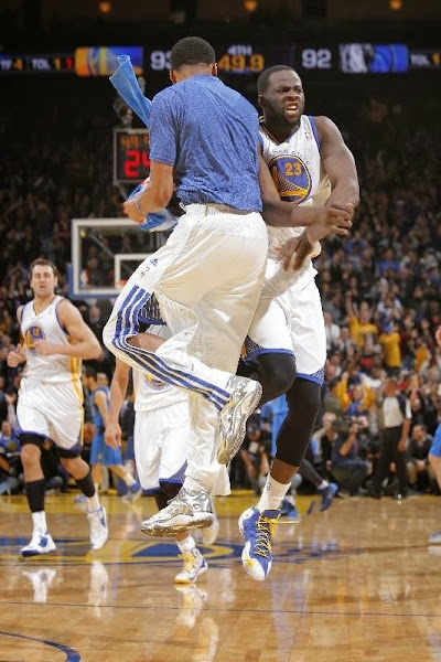 wearing brons nba lebron11 id draymond 02 Draymond Green Celebrates 50 Sellouts with new LEBRON iDs