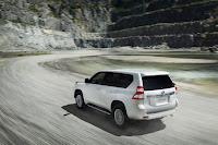 2014-Toyota-Land-Cruiser-Prado-03.jpg