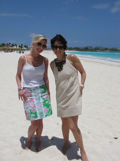 Here I am with Jackie Weppner, blogger from Merci New York on the beach.