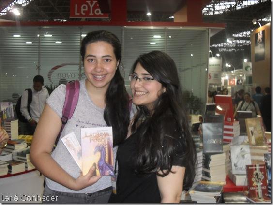 Eu e Ana Macedo. Detalhe: ela nasceu em 1995, logo alguns meses mais nova do que eu. Alm disso, tem um livro publicado. PARABNS, SRIO! rsrs