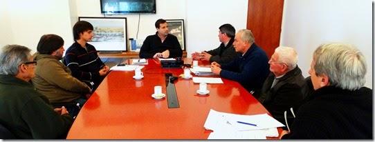 Juan Pablo de Jesús reunido con integrantes de la Sociedad de Fomento de Mar del Tuyú