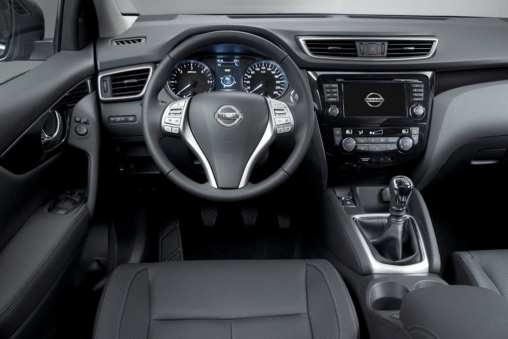 2014-Nissan-Qashqai-ic-mekan