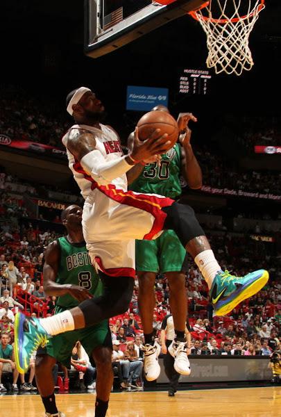 LBJ Rocks Turquoise LeBron X PS Elite amp Jades for NBA Green Week