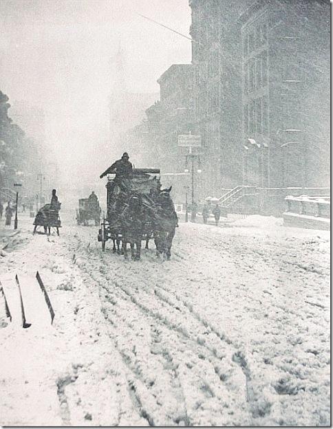 Снег на Пятой авеню в Нью-Йорке в 1893 году - Winter on Fifth Avenue by Alfred Stieglitz