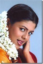 Tamil_actress_Iniya_still