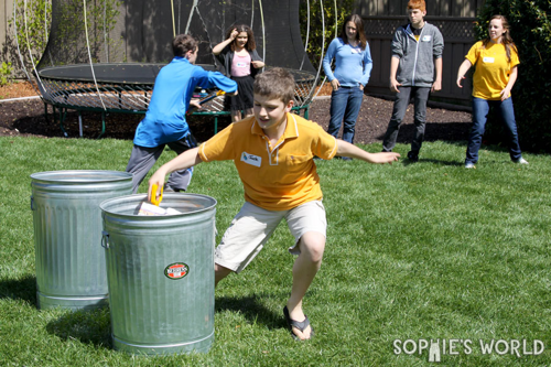 Trash party recycle relay game