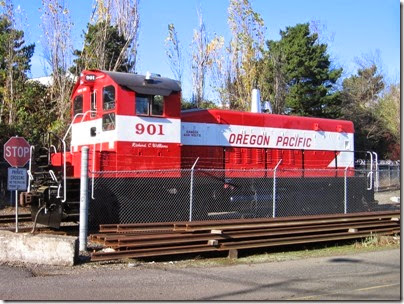 IMG_9330 Oregon Pacific SW900 #901 in Milwaukie on November 22, 2007