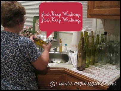 mama_winemaker_washing_bottles2