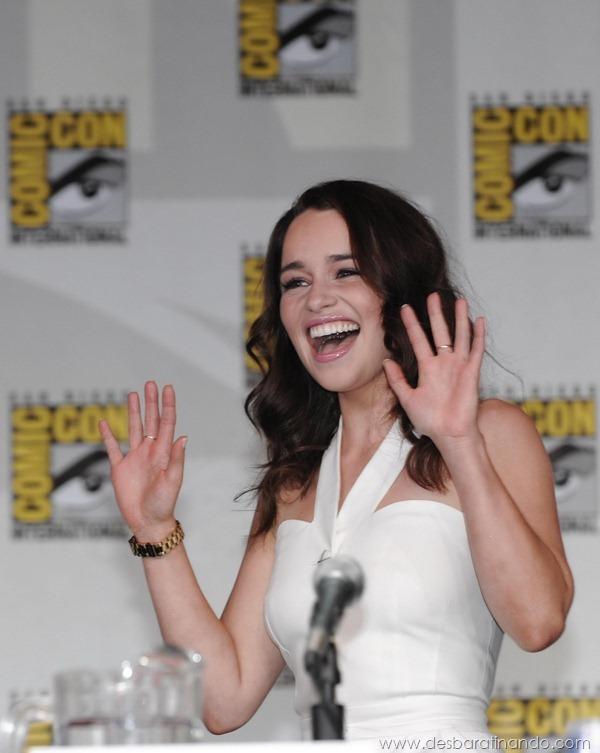 emilia-clarke- Daenerys-Targaryen-linda-sexy-game-of-trhones-guerra-dos-tronos-sexta-proibida-desbaratinando (17)