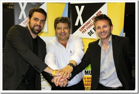 Manuel Hernández, presidente de Padel Pro Tour, y Eric de Witt rubricaron el contrato en el Palau Sant Jordi