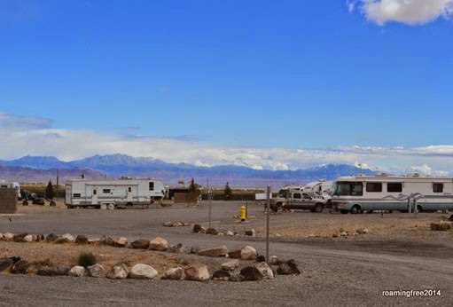 Tradewinds RV Park, with the Hualapai Mountains in the background