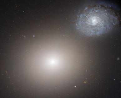 galáxias M60 e NGC 4647