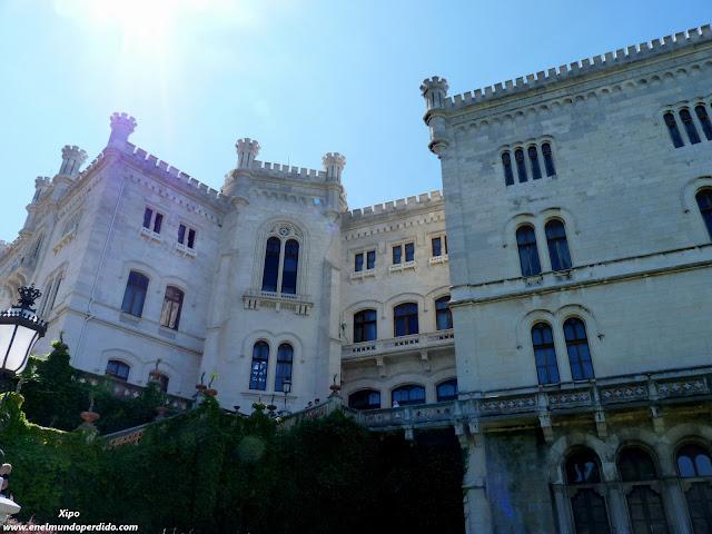 Castillo-de-Miramar-Trieste.JPG