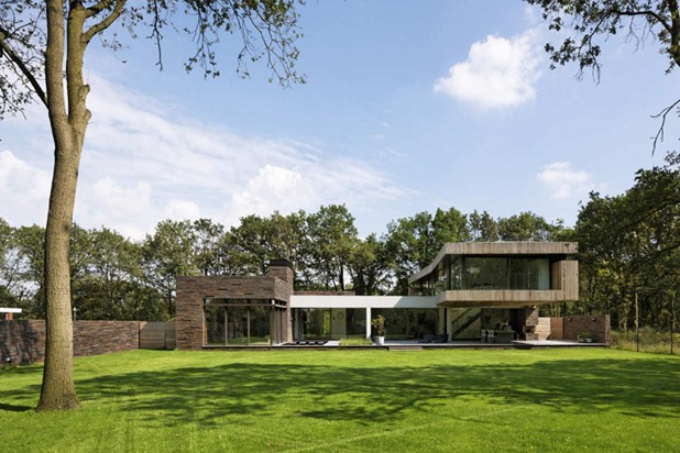 house at the edge of a forest by hilberink bosch architects 3