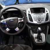 2014-Ford-Transit-Connect-Interior-1.jpg