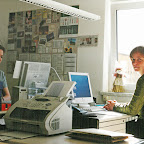 Svenja und Ulrike im ersten Outback Africa Büro in Bad Elster, April 2003