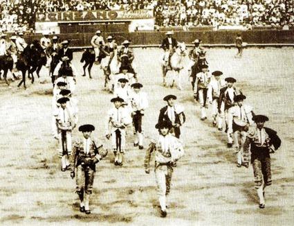 1919-06-16 BCN Monumental Jose con Belmonte y Camara (Gamero Ci 001