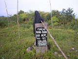 Gunung Besar summit sign (Daniel Quinn, October 2011)