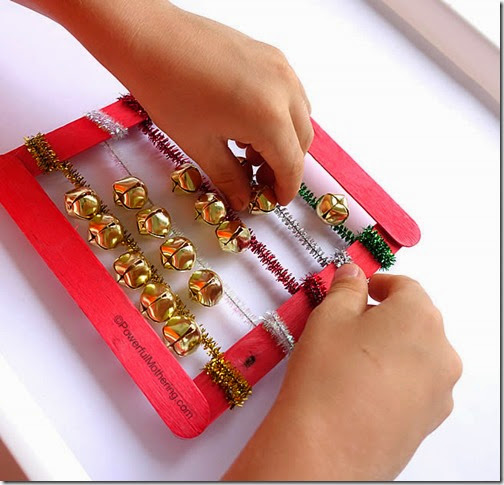 Jingle Bell Abacus - This is such a cute Christmas Activity for kids and fun way to practice counting (early math) for toddler, preschool, and even Kindergarten age kids!