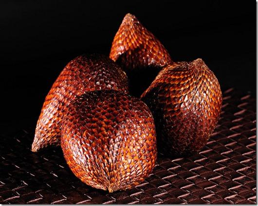 HK; Nov 09; Nikkor 105/2.8VR; food; Salak (Snake Fruit)