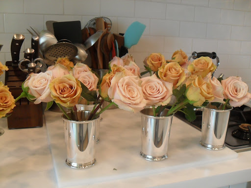 Roses have such a classic look, you really can't go wrong using them as a centerpiece arrangement for any event.
