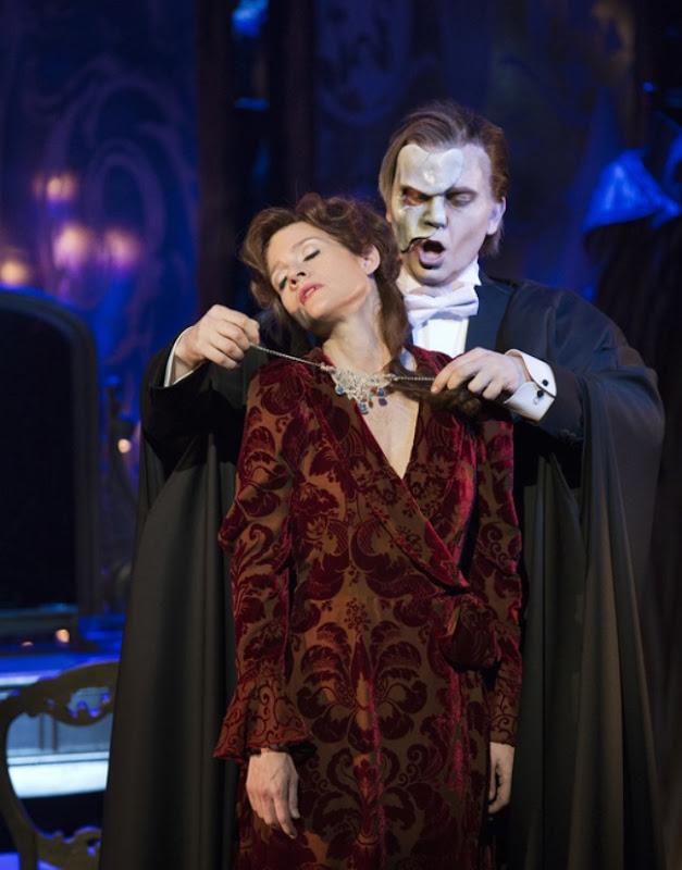 Love never dies - Det Ny Teater