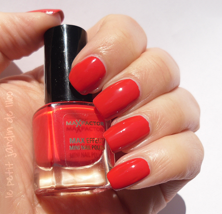 005-max-factor-red-carpet-nail-polish-review-swatch