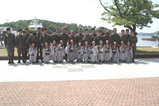 TieuHoaThuong&QuanNhanPTHanQuoc_11.jpg