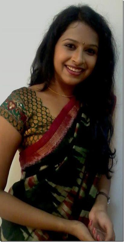 sadhika_in_saree_new_cute_pic
