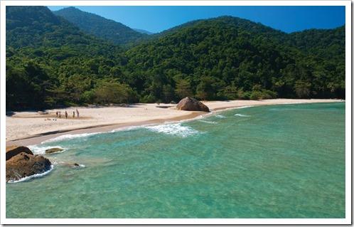 Praia-de-Antigos-e-Antiguinhos-Paraty