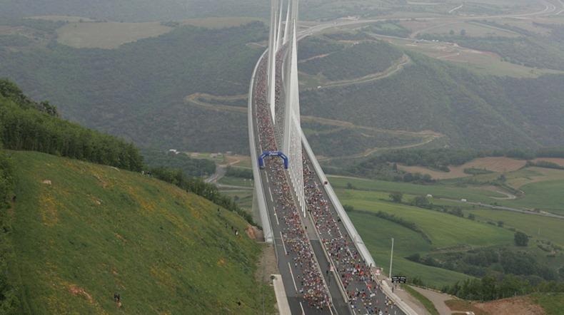 millau-viaduct-15