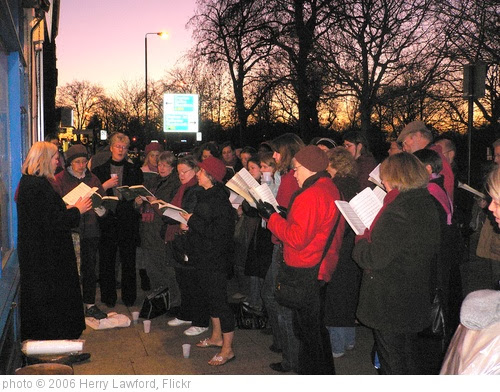 'Carol Singing' photo (c) 2006, Herry Lawford - license: http://creativecommons.org/licenses/by/2.0/