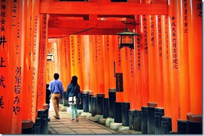 The-shrine-gates-of-Fushimi-Inari-Taisha-via-DavideGorla-on-Flickr
