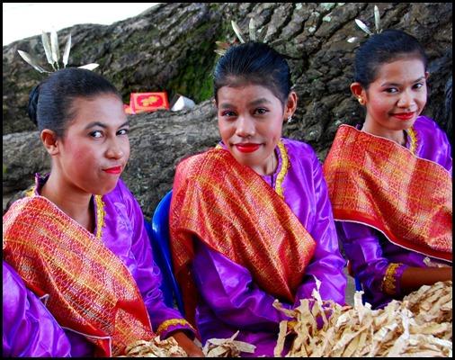 Kei Island Dancers