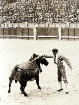 Antonio Fuentes en la plaza de Madrid (Ruiz Vernacci)
