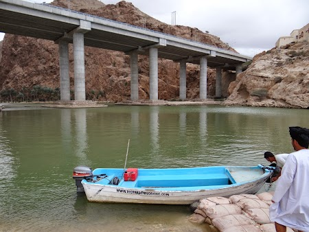 Imbarcare pentru Wadi Shab