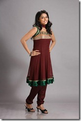 Ramya-Nambeesan-hot images