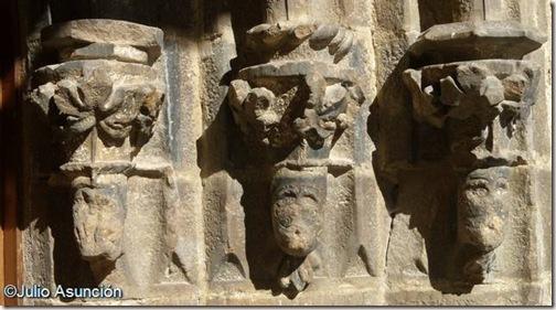 Iglesia de San Salvador - Detalle decoración de la portada